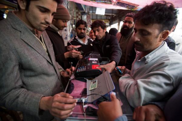 pakistan-cellphone-fingerprinting-ap-photo-bk-bangash
